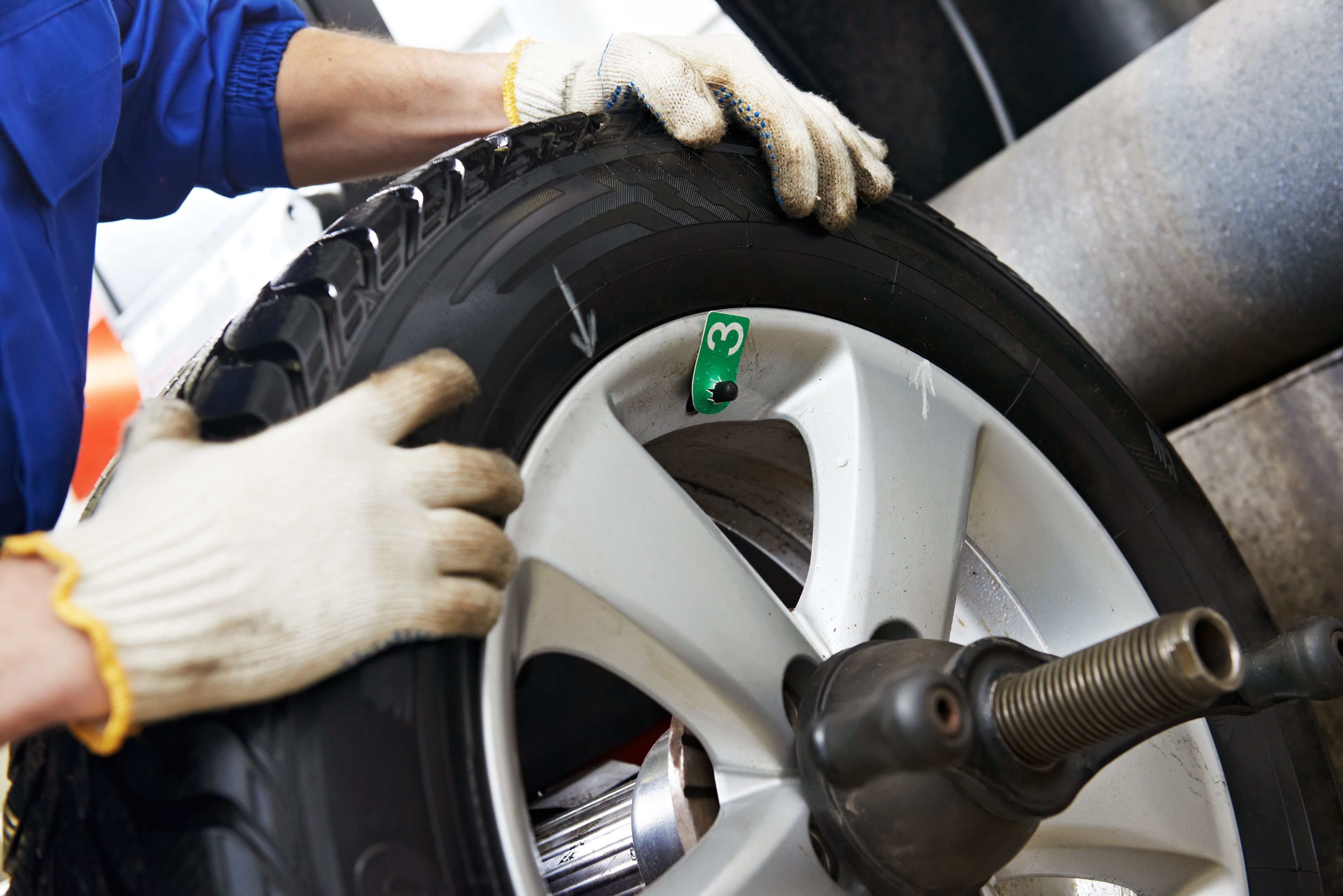 Tyre Change Service At Home